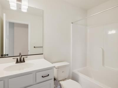 CraftMaster -  Maddison III Bathroom